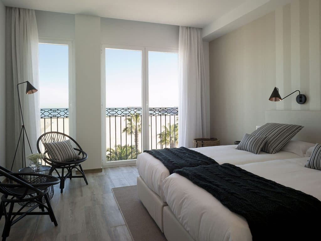 Hotel La Balandret in Valencia with spectacular view on the beach