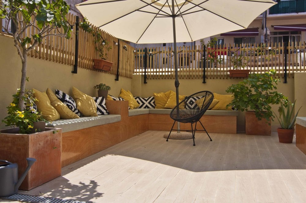 The terrace of the nice B&B Zalamera in Valencia